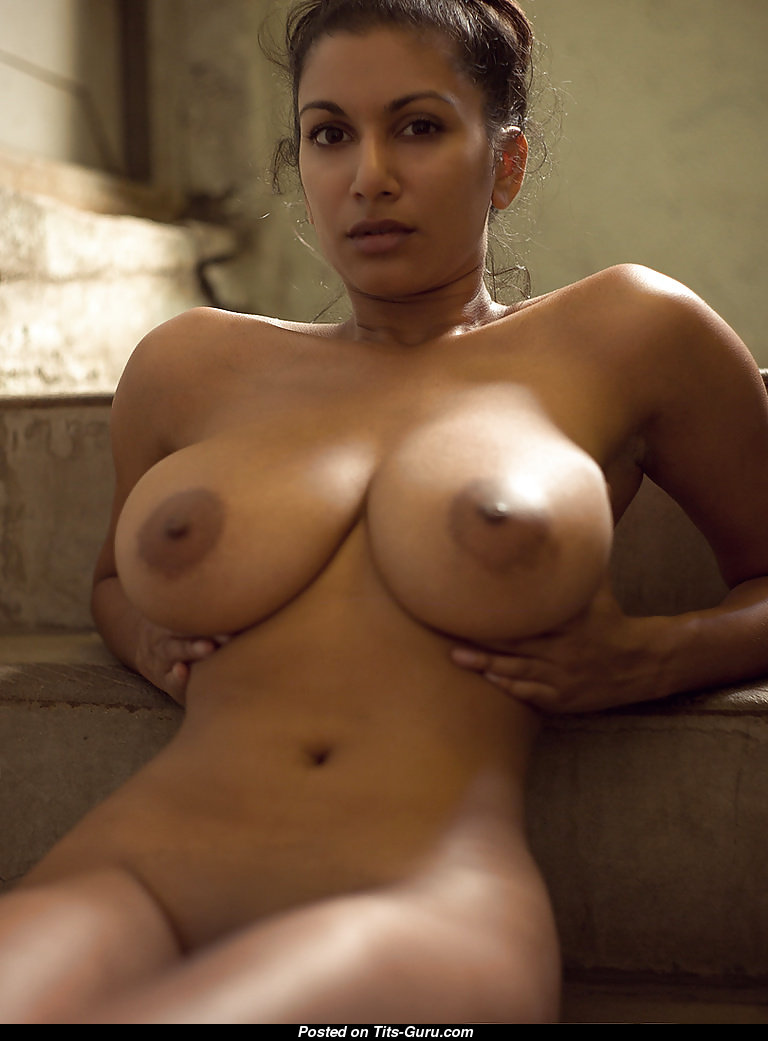 girl s geting finged in pussy